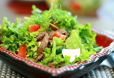 Salad trộn thịt bò xào