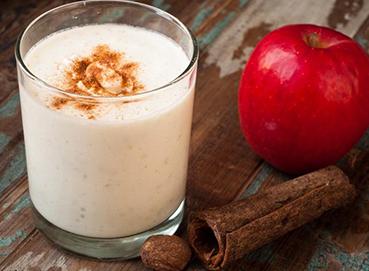Sinh tố táo sữa tươi