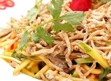 Gỏi cá cơm Phú Quốc