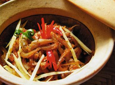Cá cơm nấu xoài - Gan kho gừng